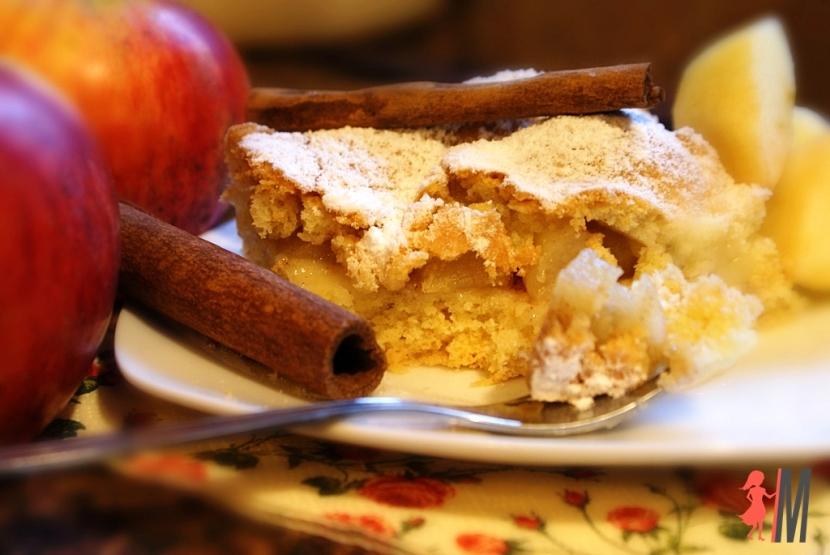 Szybki jabłecznik z przepisu babci