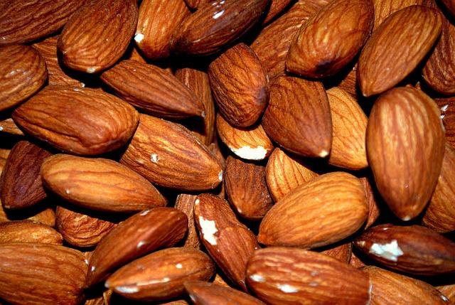 almond-83766_640