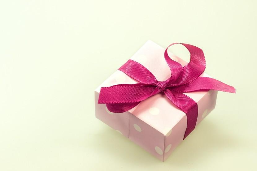 Prezent na dzień kobiet – 20 pomysłów na prezent dla kobiet