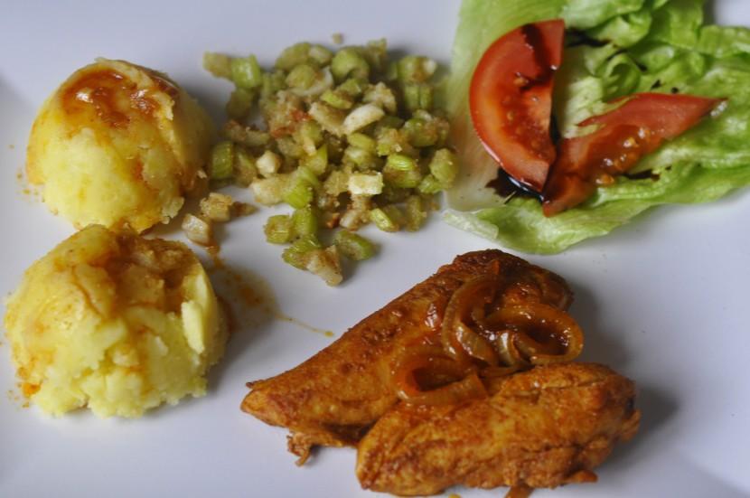 Obiad z piersi kurczaka – pierś z kurczaka saute