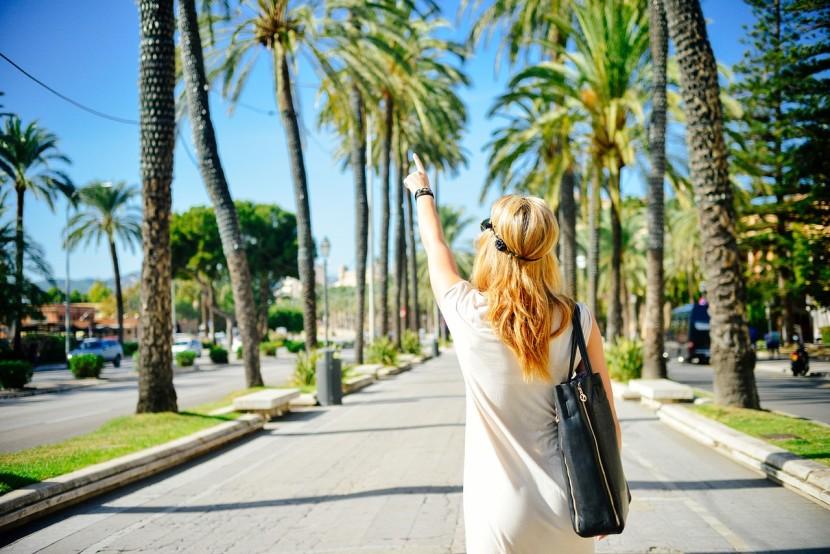 Jak pielęgnować włosy latem – 6 zasad!