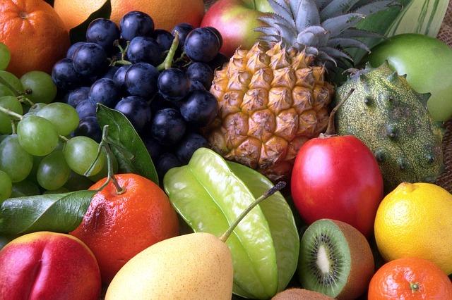 Jak usunąć plamy z owoców?
