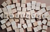 Pozytywne myślenie - jaką ma moc, i jak uczyć się go z książek?