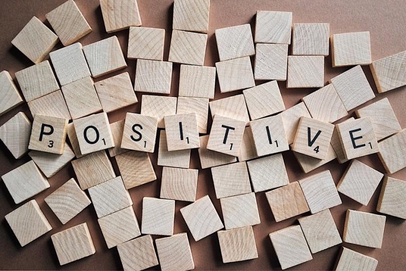 Pozytywne myślenie – jaką ma moc, i jak uczyć się go z książek?