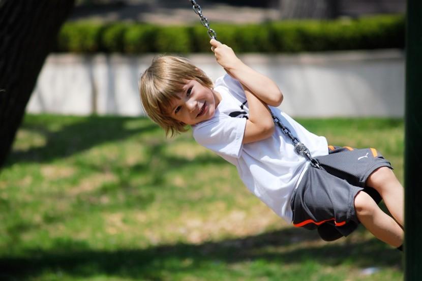 Nauka przez zabawę  – jak uczyć dziecko, żeby dobrze się przy tym bawiło?