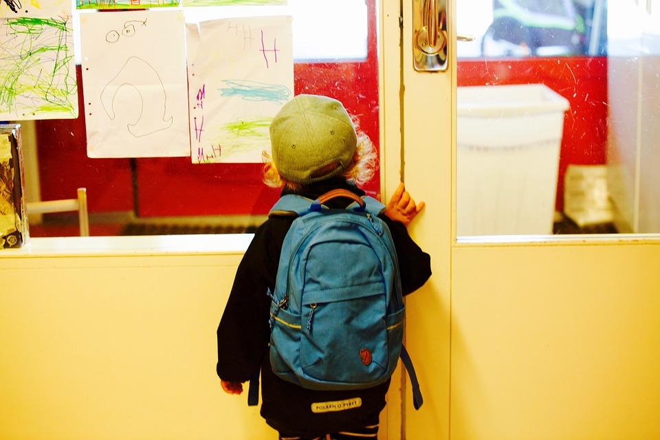 ecc268e49cc4b Jak wybrać plecak do szkoły dla dziecka  O tym musisz wiedzieć ...