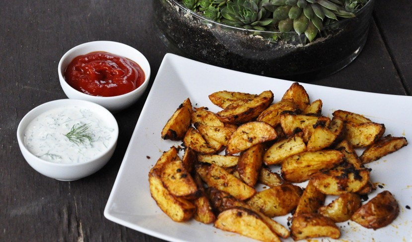 Przepis na pieczone ziemniaki – prosty przepis na tani obiad