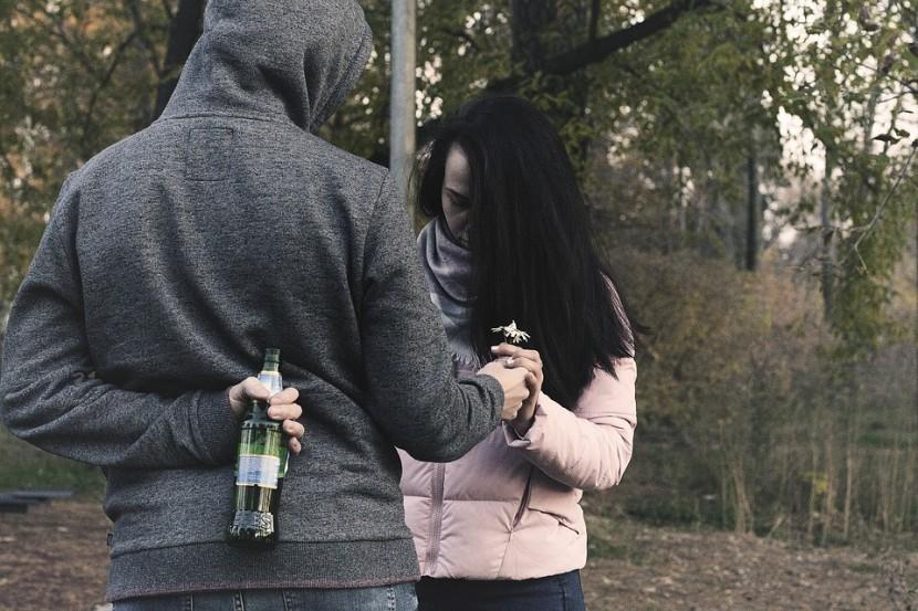 Mąż mnie zdradza  – dlaczego to robi?
